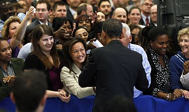 CIA employees are thrilled by the visit of Obama