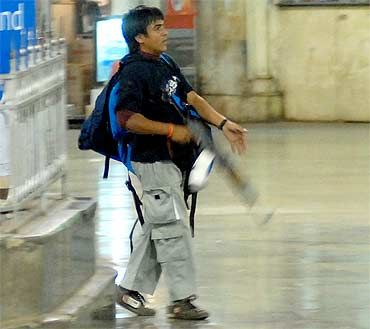 Kasab at the Chattrapatti Shivaji Terminus