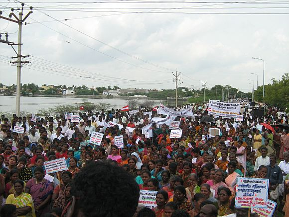 Villagers join the anti-KNPP stir