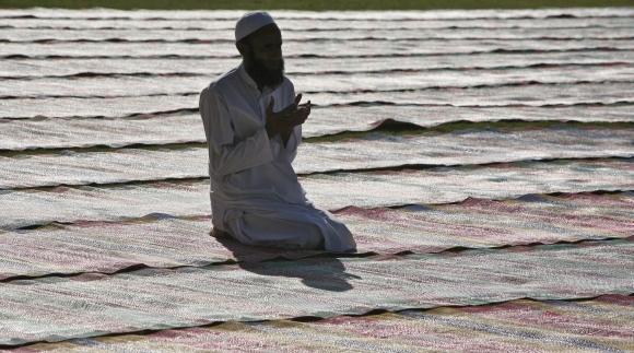Prayers and piety mark Eid al-Adha