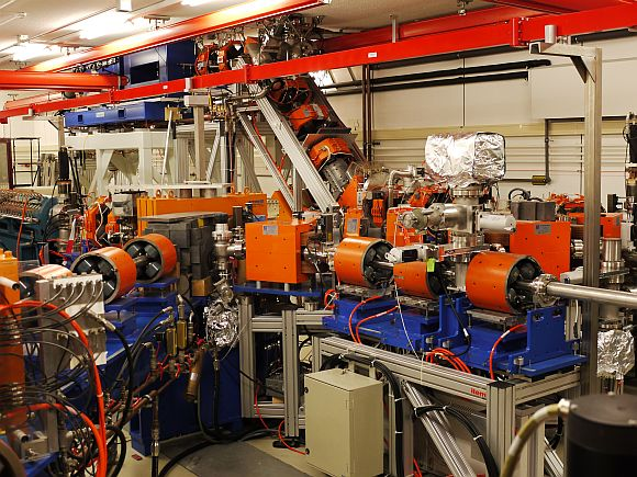 FEL experiments at the FOM Institute for Plasma Physics Rijnhuizen, Nieuwegein