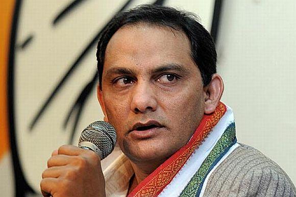 Kambli's googly puts Congress and cricket on back foot