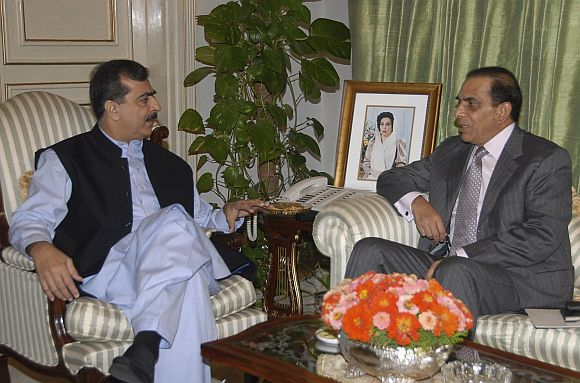 File picture of Pakistan PM Gilani with Army Chief Kayani in Islamabad