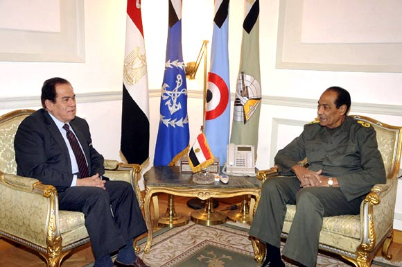 Field Marshal Mohamed Hussein Tantawi meets with Egyptian Prime Minister Kamal Ganzouri