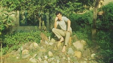 Headley was born Daood Gilani in Washington, DC in 1960. At the age of 17, he left Pakistan