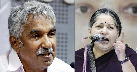 Kerala Chief minister Oomen Chandy (Right) Tamil Nadu Chief Minister J Jayalalithaa