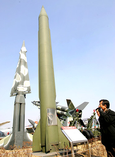 SHOCKING: China may have 3,000 N-Warheads