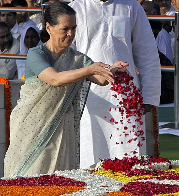 Sonia Gandhi's first appearance post-surgery