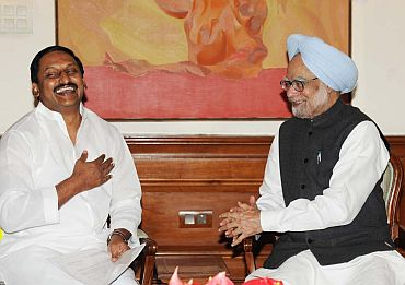 File photo of PM with Chief Minister N Kiran Kumar Reddy