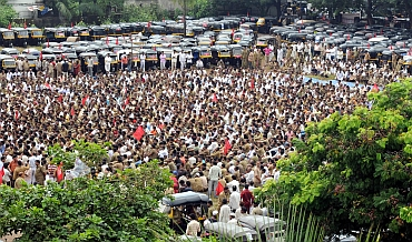 Mumbai Autorickshaw Men's Union stage protests in Bandra