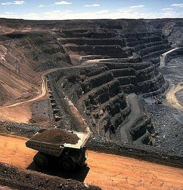 Goa CM Kamat involved in illegal mining? Oppn thinks so!