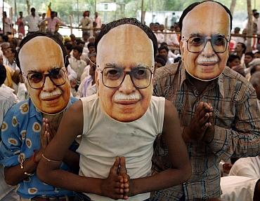 Supporters of Advani
