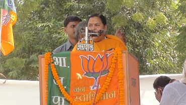 Uma Bharati addressing crowds during the yatra