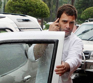 Miffed at Rahul's no show Anna Hazare's team to return home