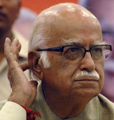 Scams tarnishing India's image abroad: Advani