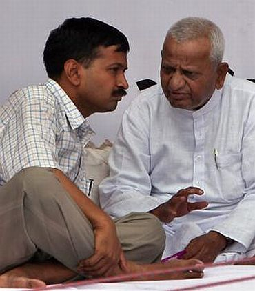 Anna Hazare with close aide Arvind Kejriwal