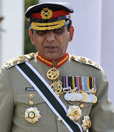 It is time for us to consider inviting Gen Kayani to visit India