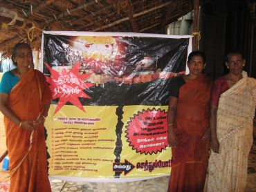 Protestors at Idinthakarai in Tamil Nadu