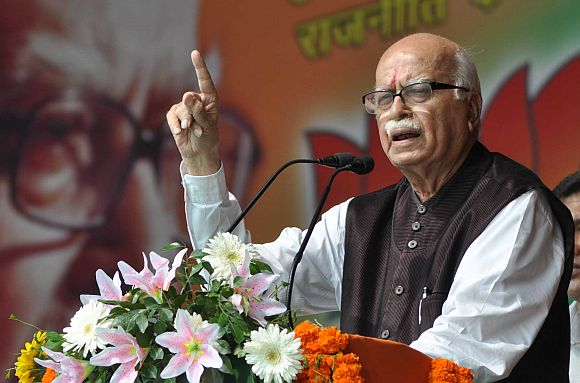 Advani kicks tainted leaders off stage; K'taka BJP miffed