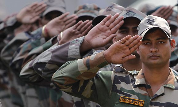 Indian Army Love Images Hd: Army To Confer Lt Col Rank Upon Bindra, Dhoni