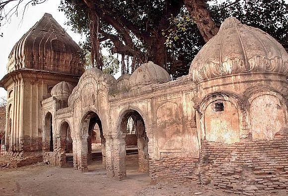 PHOTOS: Hindu temple in Peshawar reopens after 60 years