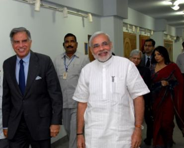 Chairman of Tata group, Ratan Tata with Gujarat Chief Minister Narendra Modi