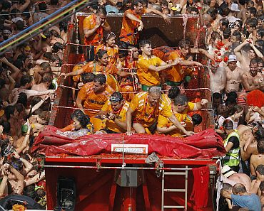 IN PHOTOS: The smashing La Tomatina festival!