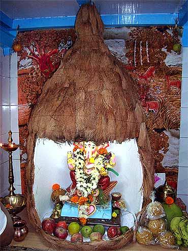ranay Tondwalkar's eco-friendly Ganpati at his home in Fort, Mumbai ...