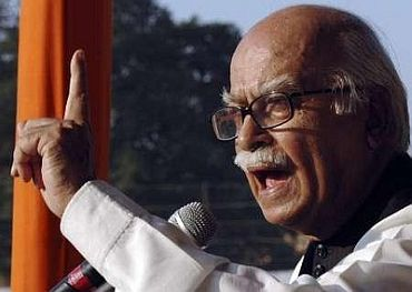 Even I should be jailed for cash-for-vote: Advani