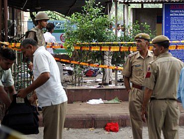 Security conduct checks after the blasts