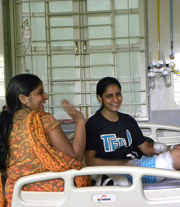 Varsha with her sister at the hospital