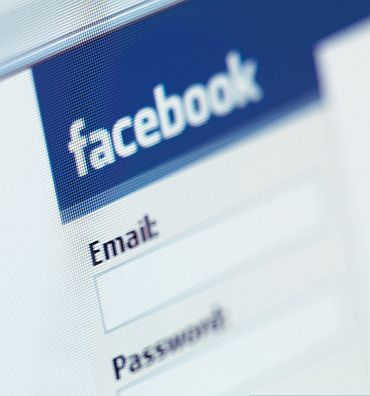 Facebook banned in Pakistan