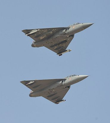 On trial, Tejas fighter jet bombs Jaisalmer