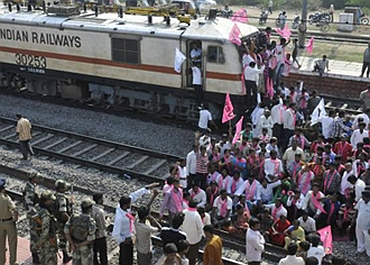 36-hour rail blockade in Telangana ends, commuters relieved
