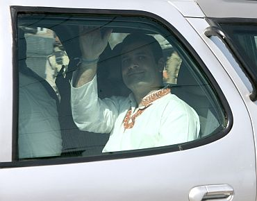Rahul Gandhi leaves Kashmir University in Srinagar after interacting with students on Monday