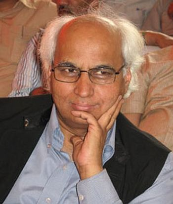 Cash-for-votes: Former Advani aide Kulkarni sent to Tihar - Rediff ...