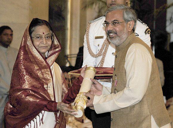 President Pratibha Patil presenting the Padma Shri Award to Shri Kartikeya V Sarabhai