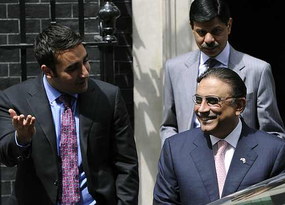 Pakistan President Asif Ali Zardari will visit the Ajmer dargah on Sunday with his son Bilawal