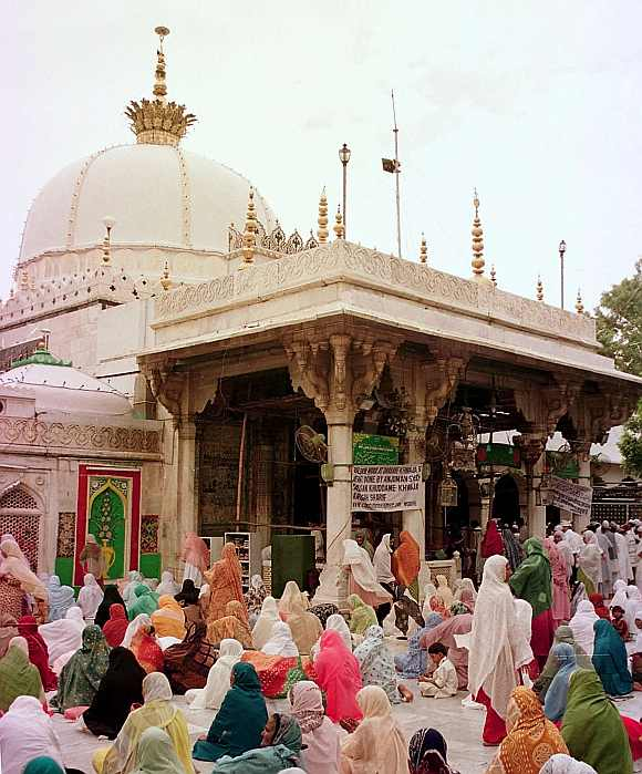 The dargah premises will be closed two hours prior to Zardari's visit