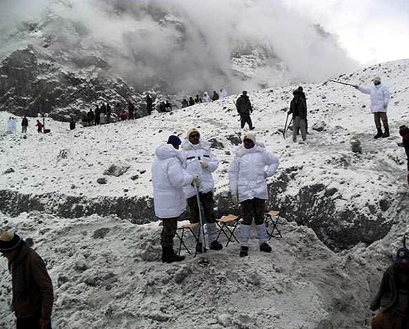 Search and rescue operation at the Siachen Glacier