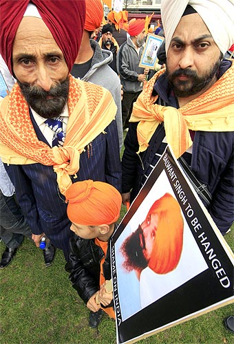Members of the Sikh community take part in a demonstration against the death penalty to Balwant Singh Rajoana