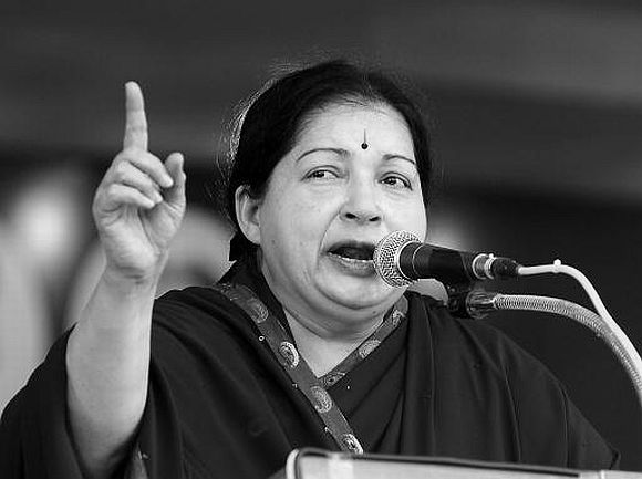 Centre has no respect for state govt: Jaya at CMs' meet