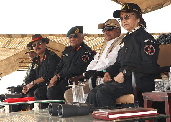 President Pratibha Devisingh Patil witnessing the Strike Corps Offensive Operation by GOC-in C Southern Command & GOC 21 Corps, at Pachpadra, Rajasthan. Defence Minister AK Antony and the Army Chief, Gen VK Singh are also seen