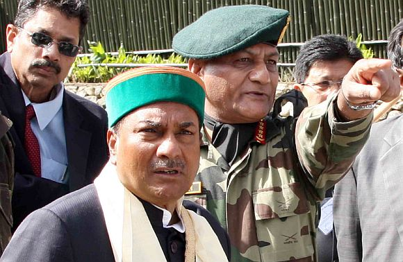 Army Chief V K Singh with Antony