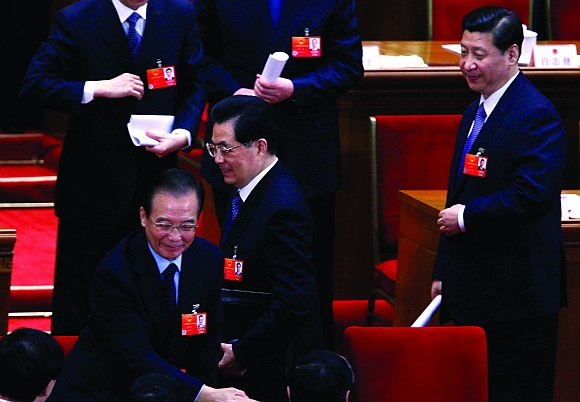 Chinese President Hu Jintao (centre)