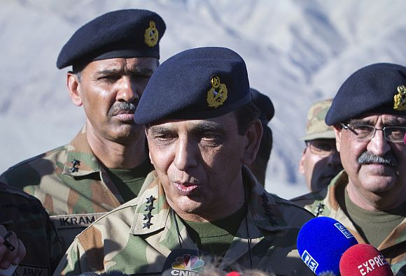 Pakistan's Army Chief General Kayani speaks to the media in Skardu after visiting the site of an avalanche in Gayari camp near the Siachen glacier