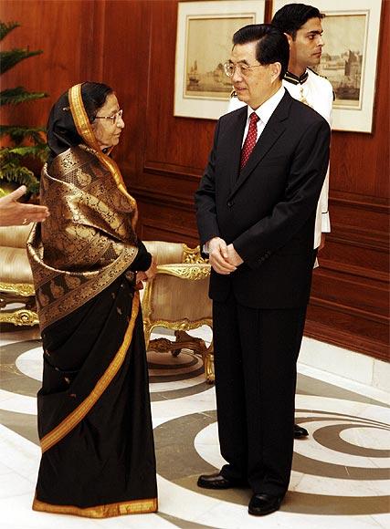 Chinese President Hu Jintao with President Pratibha Patil