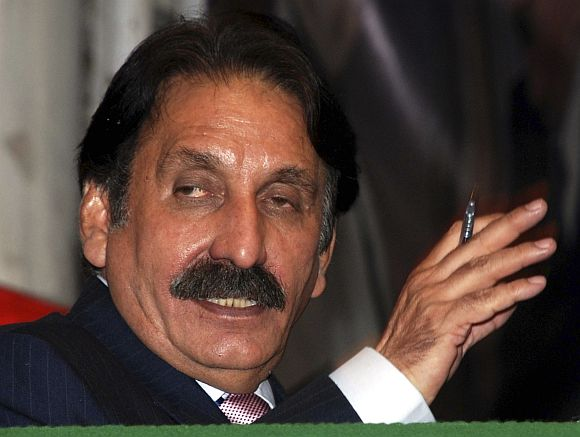 Pakistan Chief Justice Iftikhar Chaudhry (in the pic) is considered close to Nawaz Sharif-led opposition