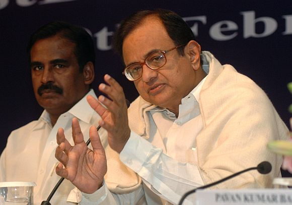 Swamy's charge: Govt comes to Chidambaram's rescue