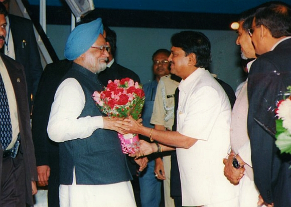 Vilasrao Deshmukh with Prime Minister Manmohan Singh
